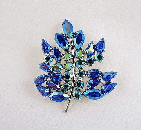 B. David Designer Blue Rhinestone Pin & Earrings Set in Box