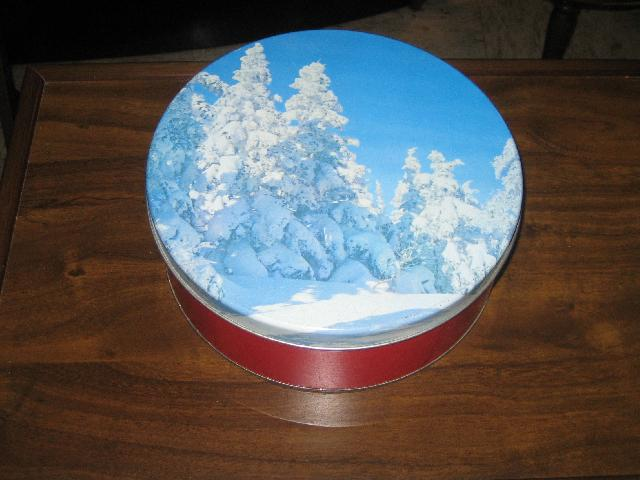 Winter Scene cookies/cake tin from 1960s