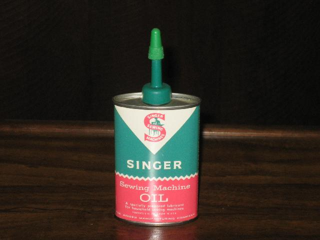 Singer Sewing Machine Oil, oval green top, 3 oz., FULL