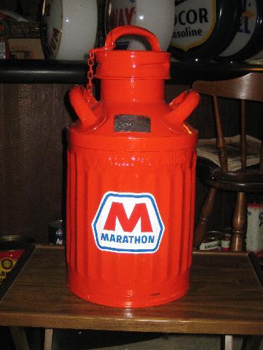 Marathon 5 gallon bulk oil can 1920s, restored, VINTAGE!