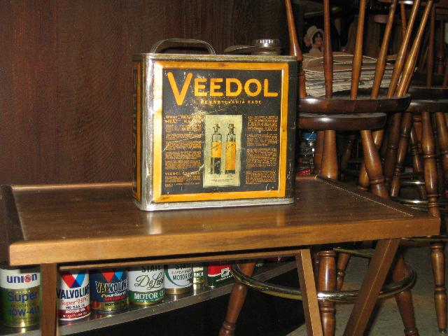 Veedol 1 gallon oil can, [Tide Water Oil Co.],1920s VINTAGE!
